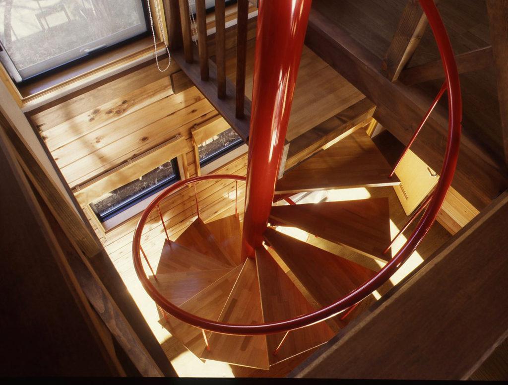 らせん階段のある別荘