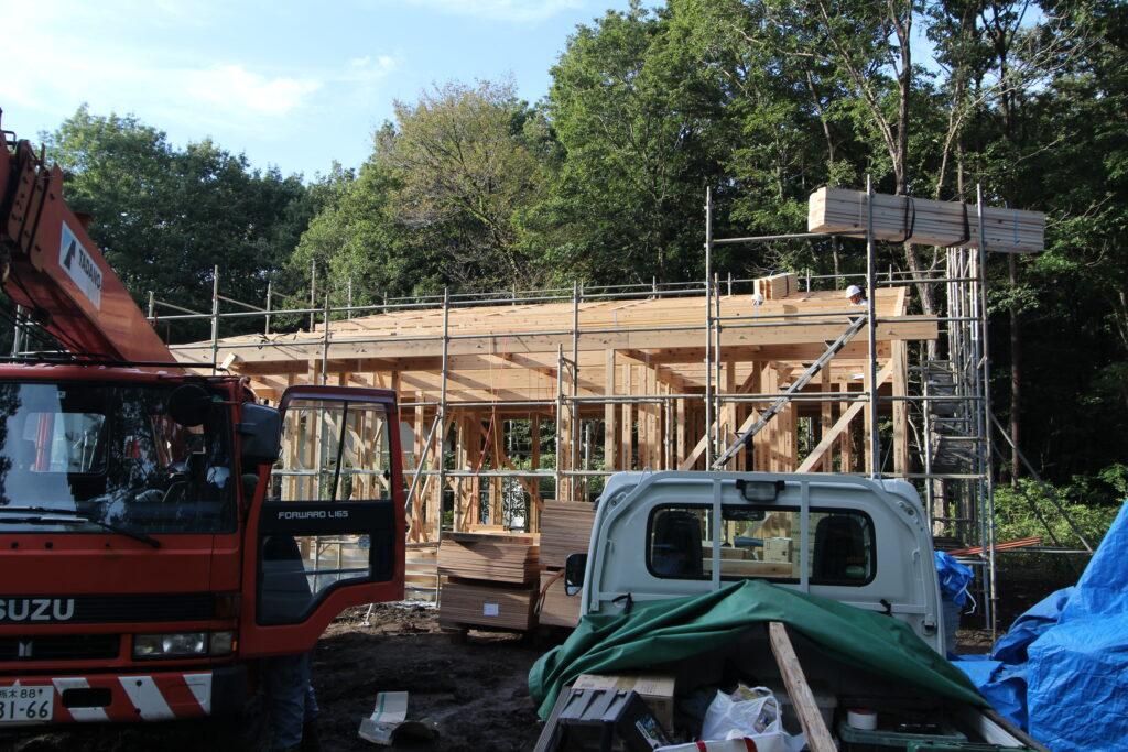 那須塩原戸田地区での家づくり・今日は建て方作業が行われています